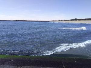 福田港サーフ突堤上西景観